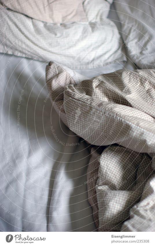 Laaange schlafen weiß ruhig Stimmung hell schlafen Bett weich Bettwäsche Kissen Bettlaken Bettdecke gebraucht Schlafmatratze aufstehen