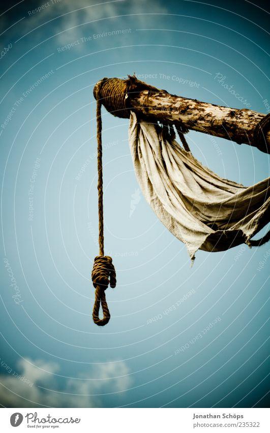 Der Tod erwartet euch Himmel Holz Angst Seil Hoffnung Vergänglichkeit gruselig Todesangst hängen Verzweiflung Selbstmord Frustration Hass Entsetzen Mord