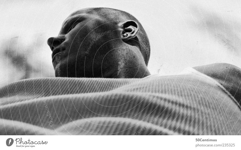 Nachdenken - meditation Mensch Mann Jugendliche ruhig Gesicht Erwachsene Gefühle grau Denken Stimmung Kraft Zufriedenheit warten elegant maskulin ästhetisch