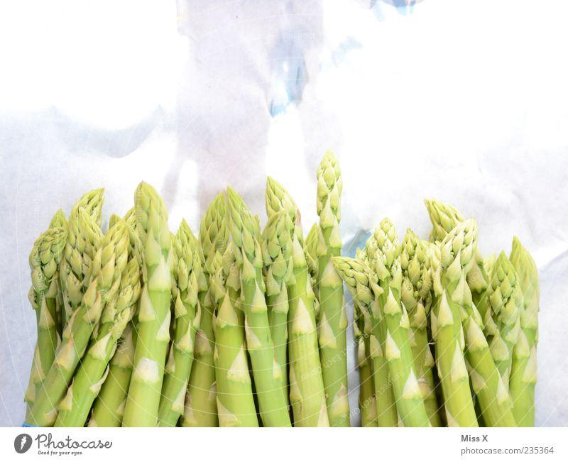 Grüner Spargel Lebensmittel Gemüse Ernährung Bioprodukte Vegetarische Ernährung frisch Gesundheit lecker grün Spargelzeit Spargelspitze Spargelbund