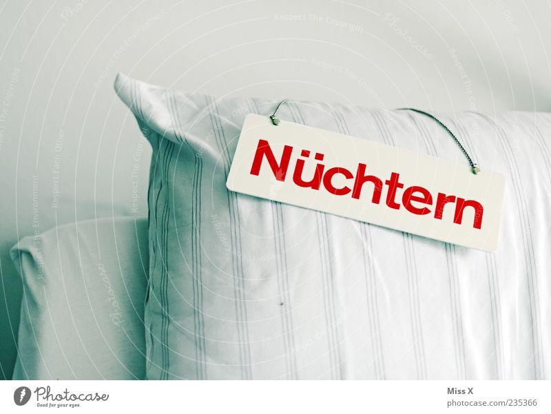 Nüchtern Gesundheit Gesundheitswesen Krankheit Bett hell Appetit & Hunger Durst Kopfkissen Krankenhaus Krankenbett Krankenpflege Schilder & Markierungen