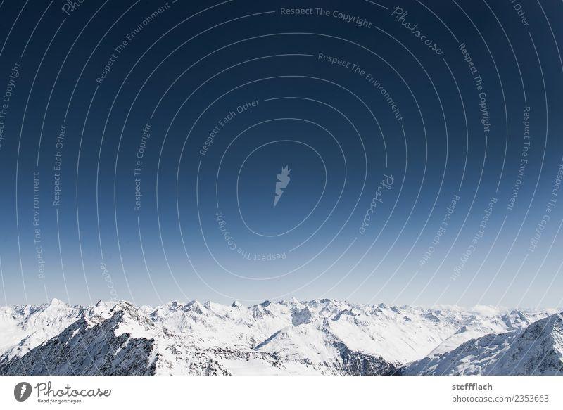 Und der Himmel ist blau! Natur Ferien & Urlaub & Reisen Landschaft weiß Winter Ferne Berge u. Gebirge Umwelt Schnee Sport Tourismus fliegen Horizont wandern