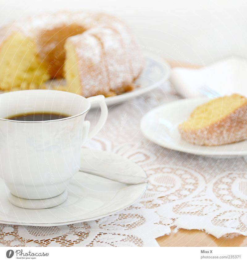 Kaffeetisch Ernährung Lebensmittel Feste & Feiern süß Getränk heiß Geschirr Kuchen Tasse lecker Spitze Backwaren Dessert Teigwaren Tischwäsche