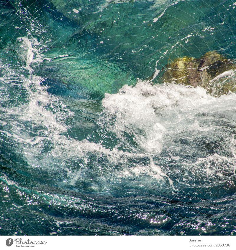 Schaumbad Ferien & Urlaub & Reisen Sommerurlaub Meer Wellen Wasser Sturm Riff bedrohlich maritim wild blau türkis weiß Bewegung chaotisch Kraft schäumen