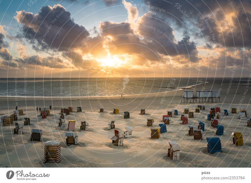 Borkum Wohlgefühl Zufriedenheit Erholung Schwimmen & Baden Ferien & Urlaub & Reisen Tourismus Ferne Sommer Sommerurlaub Sonne Sonnenbad Strand Meer Insel Umwelt