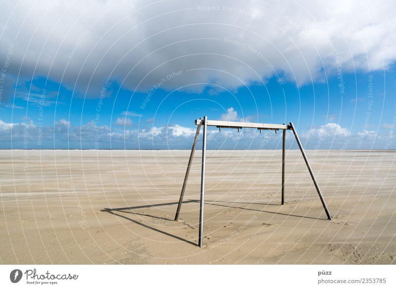 Kinderspielplatz Spielen Ferne Freiheit Sommer Sommerurlaub Sonne Strand Meer Insel Natur Landschaft Himmel Wolken Schönes Wetter Nordsee blau weiß Borkum leer