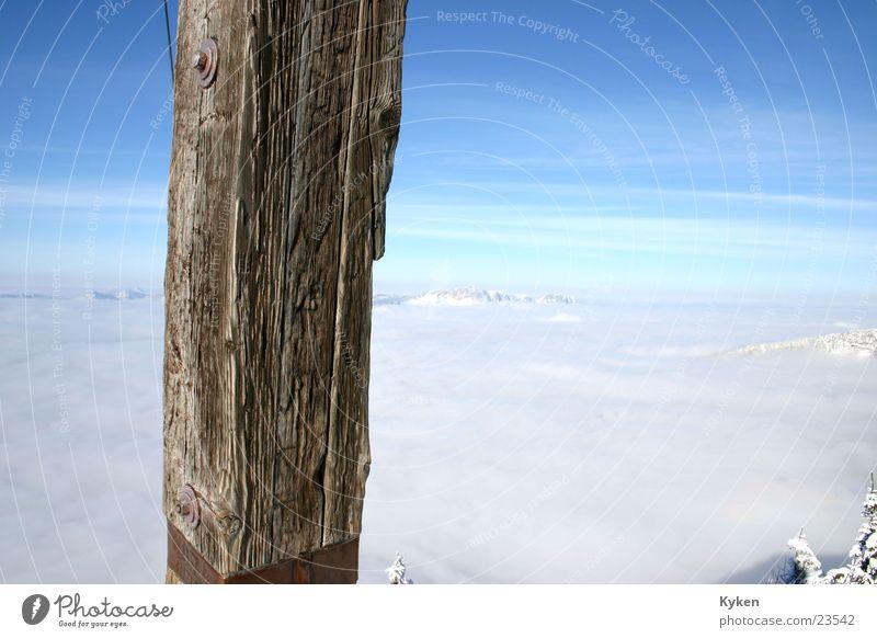 ganz oben rechts weiß Sonne blau Winter Wolken kalt Schnee Berge u. Gebirge Nebel Aussicht Klettern Gipfel Berghang