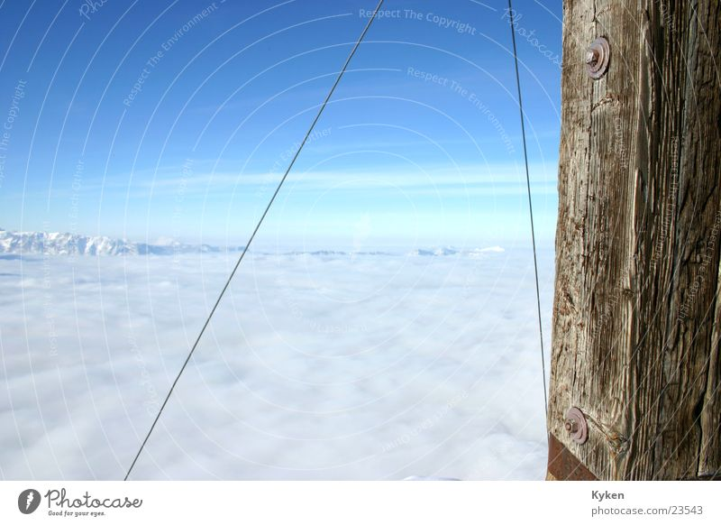 ganz oben links weiß Sonne blau Winter Wolken kalt Schnee Berge u. Gebirge Nebel Aussicht Klettern Gipfel Berghang