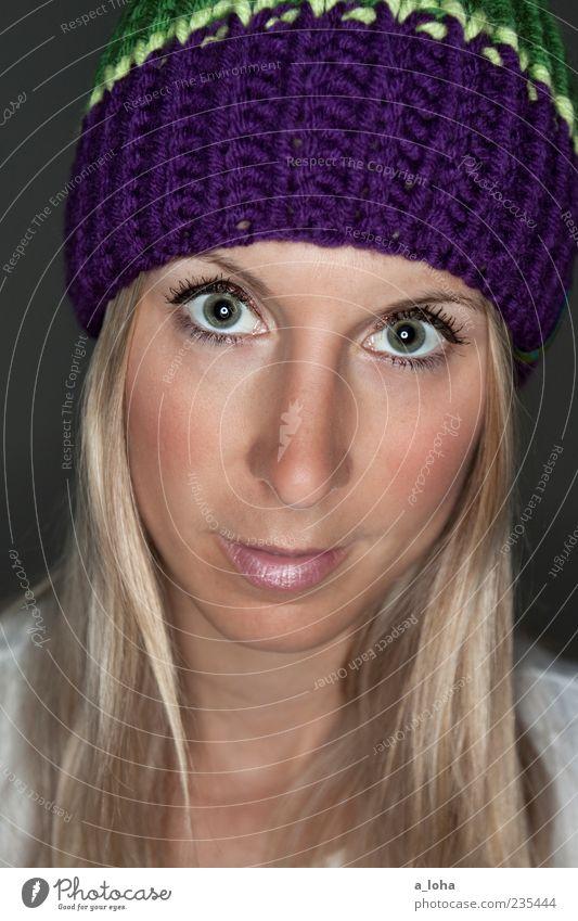 no good with faces Mensch Frau Jugendliche grün schön Farbe Gesicht Erwachsene Auge feminin Haare & Frisuren Stil blond Nase Lifestyle beobachten