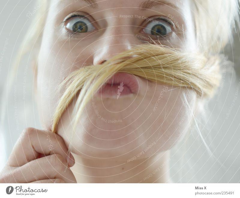 Schnauzer schön Haare & Frisuren Mensch feminin Junge Frau Jugendliche Erwachsene Auge 1 18-30 Jahre blond langhaarig Oberlippenbart Behaarung lustig verrückt