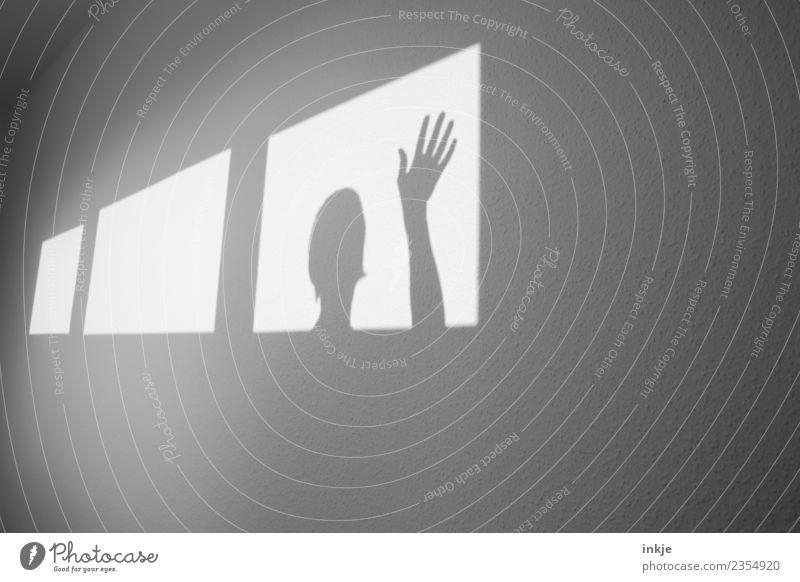 winken Hand Fenster Wand Spielen Kopf hell Raum graphisch eckig Hilferuf diagonal Flur Hilfesuchend gestikulieren Gruß