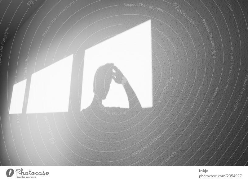 ....? Hand Fenster Wand Traurigkeit Spielen Kopf Denken hell Raum nachdenklich Idee graphisch Inspiration eckig Fragen Sorge