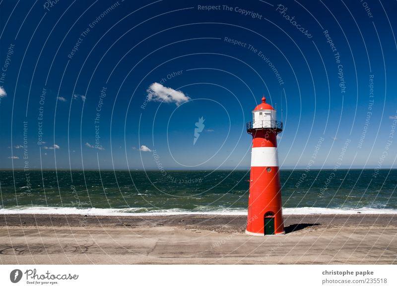 Große Leuchte Meer Sommer Einsamkeit Ferne Freiheit Gebäude Wellen Bauwerk Schifffahrt Wahrzeichen Leuchtturm Sehenswürdigkeit Brandung Niederlande Gischt Sandstrand