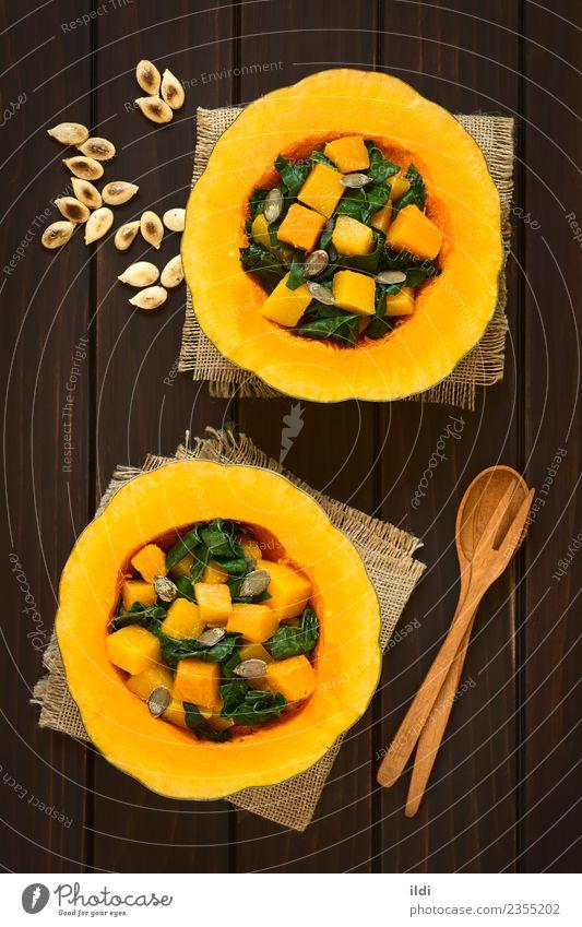 Speise natürlich Gemüse Mahlzeit Vegetarische Ernährung Seite Salatbeilage Hälfte vertikal Halloween Kürbis rustikal Snack Erntedankfest Mangold