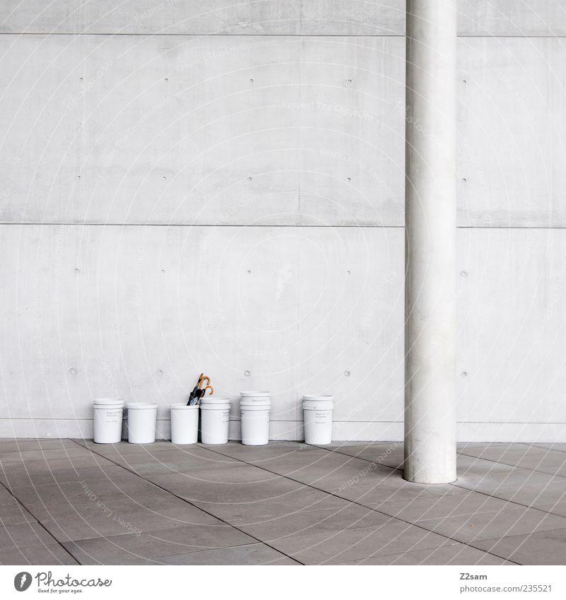 vergissmeinnicht Einsamkeit dunkel kalt Wand Architektur grau Mauer Gebäude Stil Linie Fassade elegant Ordnung Beton modern Hochhaus