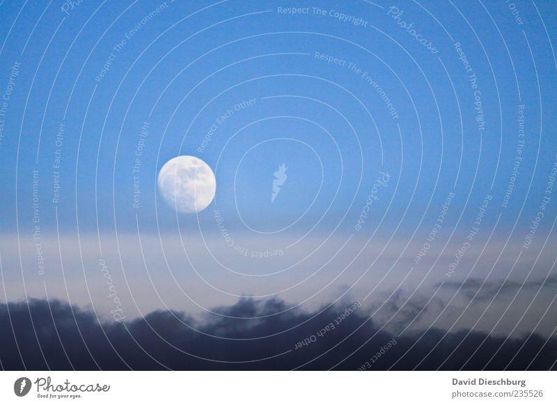Der Mond geht auf... Himmel Natur blau weiß Wolken Klima leuchten Kreis rund Schönes Wetter Weltall Kugel Gewitterwolken Himmelskörper & Weltall Wolkenhimmel