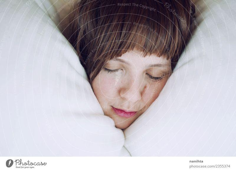 Mensch Jugendliche Junge Frau schön Erholung ruhig Freude 18-30 Jahre Gesicht Erwachsene Leben Lifestyle Gesundheit feminin Stimmung träumen