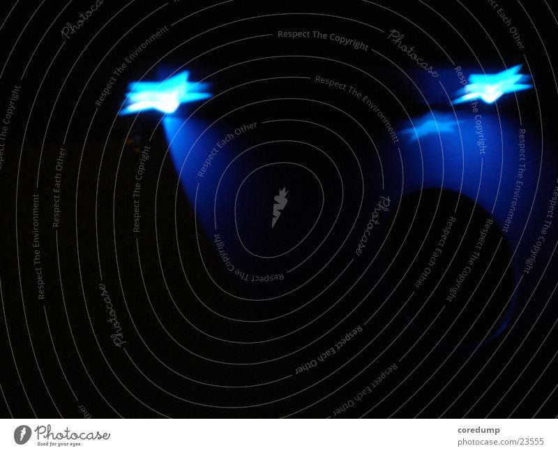 Blauer_Stern Lampe dunkel Fototechnik Lichtreflektion blau Lichterscheinung