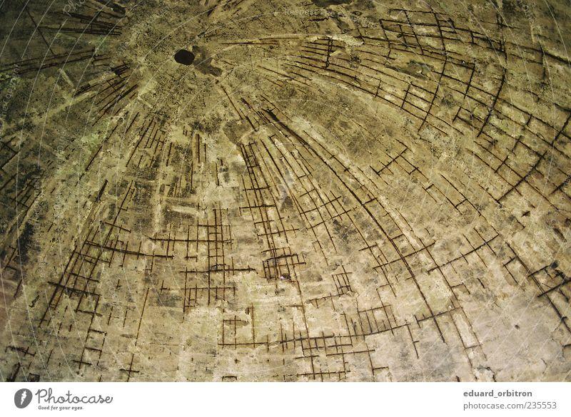 Kultus Klatawa alt hoch Beton Stahl Ruine Putz Konstruktion Halle Unbewohnt Decke gekrümmt Kuppeldach Armierung