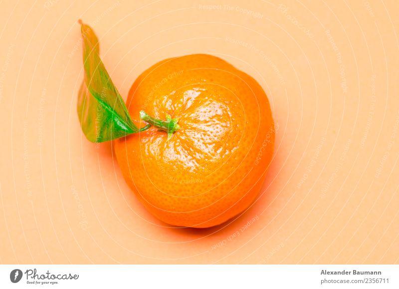 mandarine orange on a orange background Limonade Saft Natur gelb Mandarin ripe fresh citrus tangerine isolated fruit Hintergrundbild food juicy sweet healthy