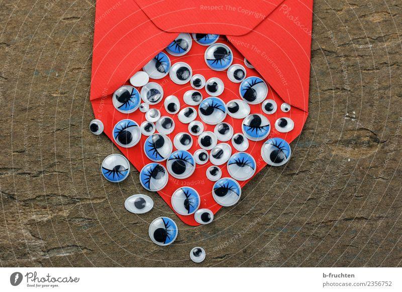 Viele lesen mit Büro Post Business Auge Zeichen Kommunizieren Fröhlichkeit blau rot Verschwiegenheit Wahrheit Ehrlichkeit Angst Erwartung geheimnisvoll
