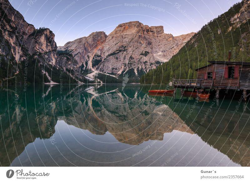 Pragser Spiegel_001 Natur Ferien & Urlaub & Reisen Sommer Wasser Landschaft Erholung Einsamkeit ruhig Ferne Berge u. Gebirge Tourismus Freiheit See Felsen