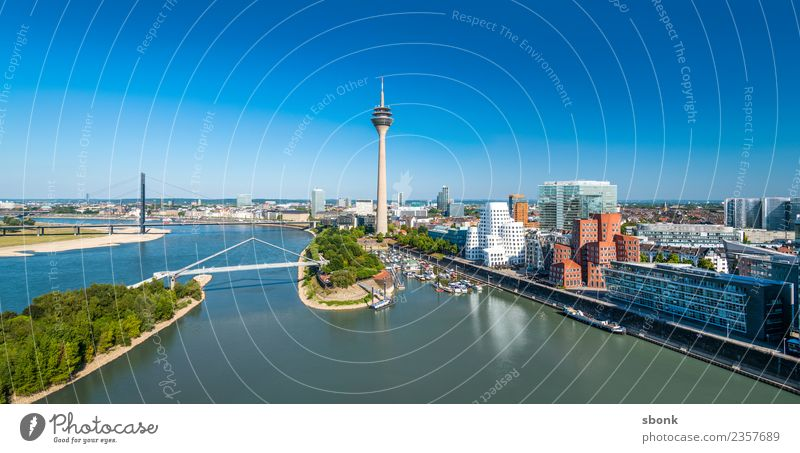 Düsseldorf Panorama Stadt Hafenstadt Skyline Gebäude Architektur Ferien & Urlaub & Reisen Dusseldorf Großstadt harbour river urban transport public cityscape