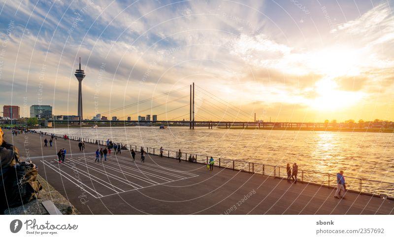 Düsseldorfer Sommerabend Ferien & Urlaub & Reisen Stadt Deutschland Skyline Großstadt