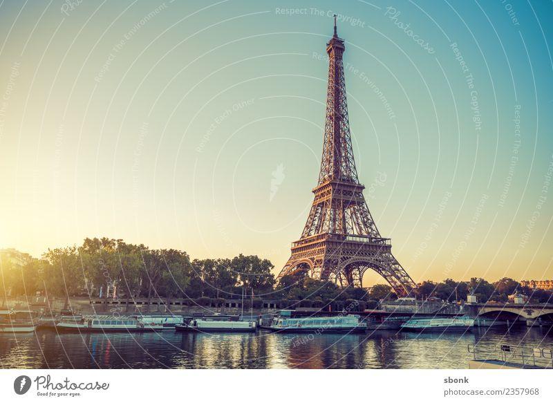 Paris Morgenromantik Ferien & Urlaub & Reisen Sommer Frankreich Stadt Skyline Sehenswürdigkeit Wahrzeichen Denkmal Tour d'Eiffel Liebe Eiffel Tower France Urban