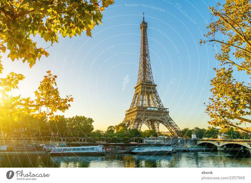 Paris Morgensonne Ferien & Urlaub & Reisen Sommer Stadt Hauptstadt Skyline Bauwerk Gebäude Architektur Tour d'Eiffel Liebe Eiffel Tower France Urban Großstadt