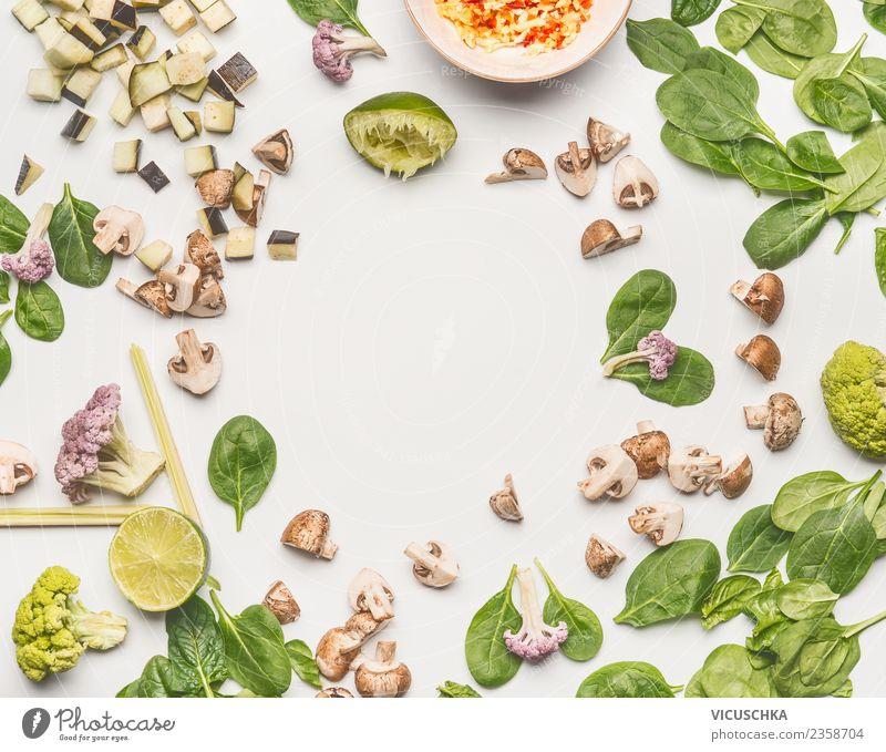 Spinat mit Pilze und Zutaten Sommer Gesunde Ernährung grün Foodfotografie Essen Gesundheit Hintergrundbild Stil Lebensmittel Design frisch Gemüse Bioprodukte
