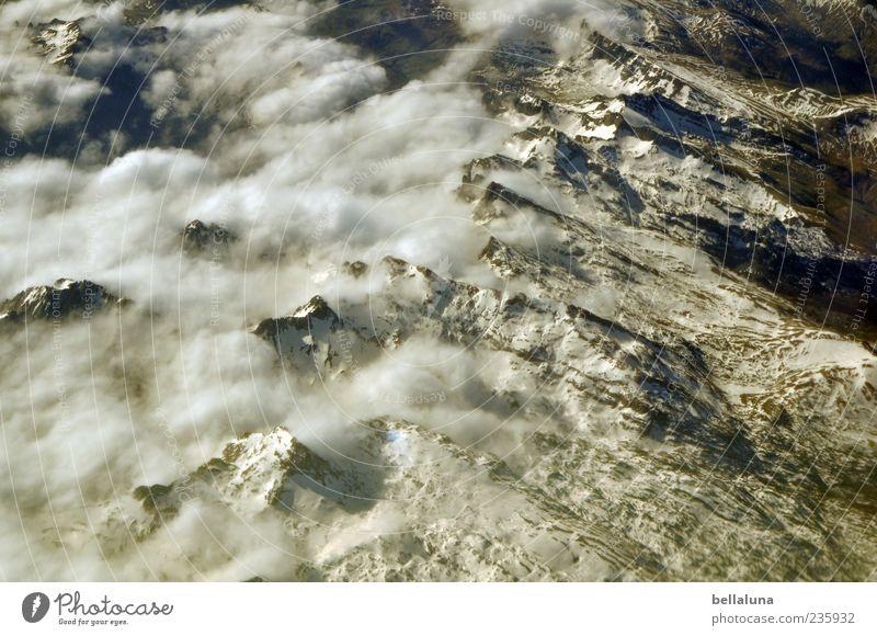 Alpynäen Umwelt Natur Landschaft Himmel Wolken Sommer Winter Schönes Wetter Schnee Felsen Alpen Berge u. Gebirge Gipfel Schneebedeckte Gipfel Pyrenäen weiß