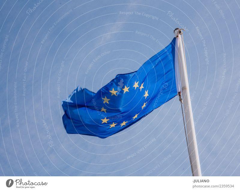 Flagge der Europäischen Union, die im Wind weht. brexit Wirtschaft Europa Fahne einprägsam Erde sozial Ferien & Urlaub & Reisen vereinigtes königreich