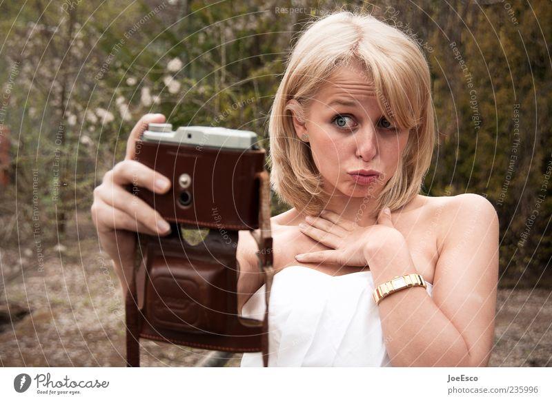 #235996 Stil Frau Erwachsene Leben Gesicht 18-30 Jahre Jugendliche Natur blond außergewöhnlich Coolness frech frisch trendy einzigartig verrückt wild Freude