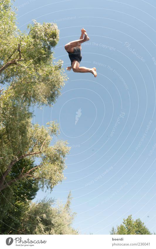uFo Mensch Natur blau grün Baum Ferien & Urlaub & Reisen Pflanze Sommer Freude Freiheit Bewegung springen Freizeit & Hobby nass Tourismus Aktion