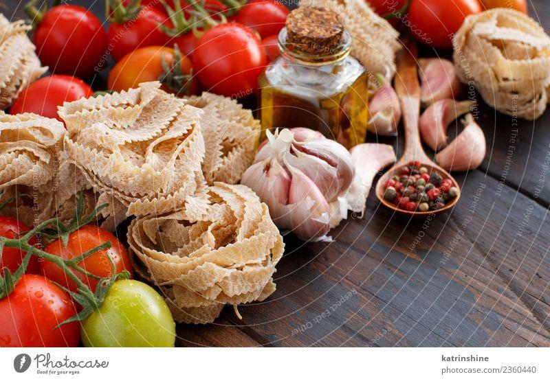 rot dunkel braun frisch Tisch Kräuter & Gewürze Tradition Diät Flasche Mahlzeit Vegetarische Ernährung Tomate rustikal roh Zutaten Italienisch