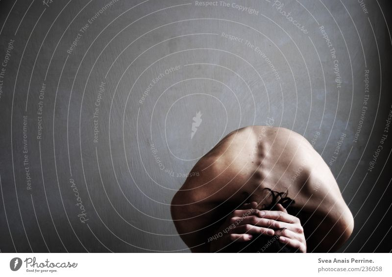 gemälde des gezeichneten. Mensch Mann Jugendliche Hand Einsamkeit Erwachsene Traurigkeit Angst Rücken Haut maskulin außergewöhnlich Finger authentisch