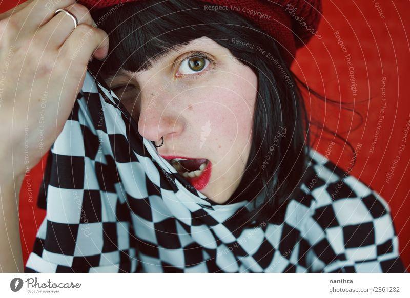 Mensch Jugendliche Junge Frau schön weiß rot 18-30 Jahre schwarz Gesicht Erwachsene Lifestyle lustig feminin Stil Haare & Frisuren Mode