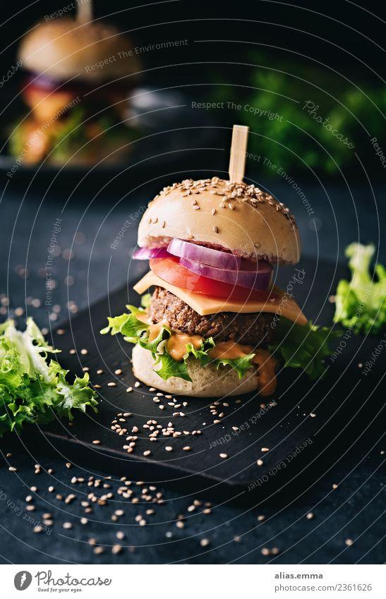 Veggie-Burger Gesunde Ernährung dunkel Speise Foodfotografie Essen frisch lecker Essen zubereiten Vegetarische Ernährung Mittagessen Salat Vegane Ernährung