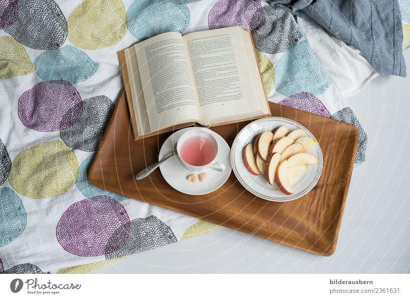 Sonntags... Stil Wohlgefühl Zufriedenheit Erholung lesen Häusliches Leben Wohnung Dekoration & Verzierung Bett Schlafzimmer Bildung Buch genießen trinken