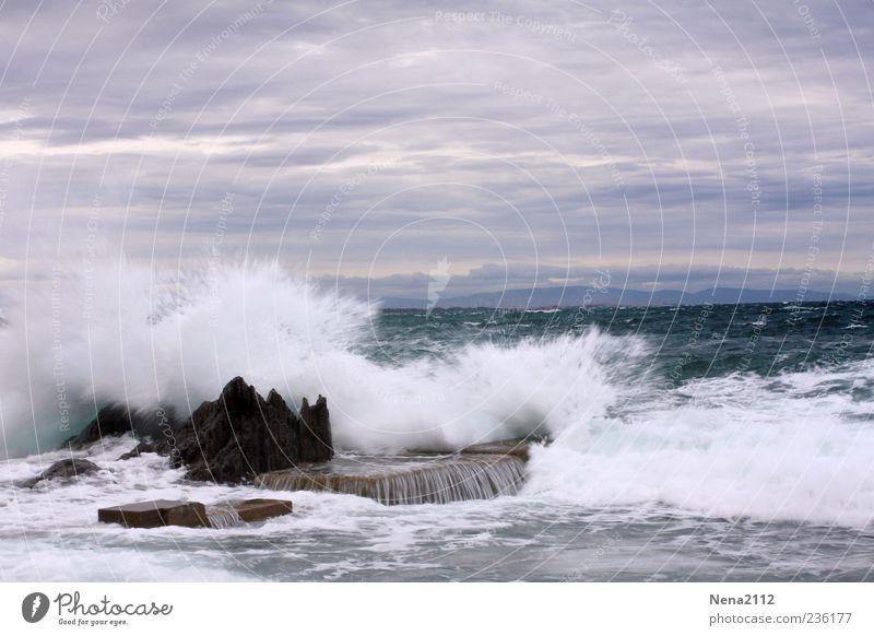 Baignade dangereuse... Umwelt Natur Landschaft Urelemente Wasser Himmel Wolken Gewitterwolken Wetter schlechtes Wetter Unwetter Wind Sturm Felsen Wellen Küste