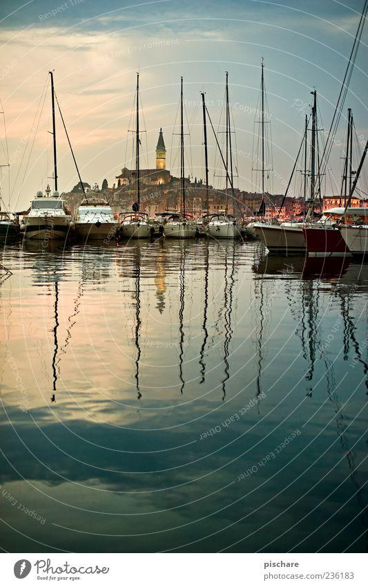 Istra II Wasser Küste Meer Dorf Fischerdorf Hafenstadt Altstadt Kirche Schifffahrt Segelboot Segelschiff exotisch schön Fernweh ruhig Rovinj Kroatien Istrien