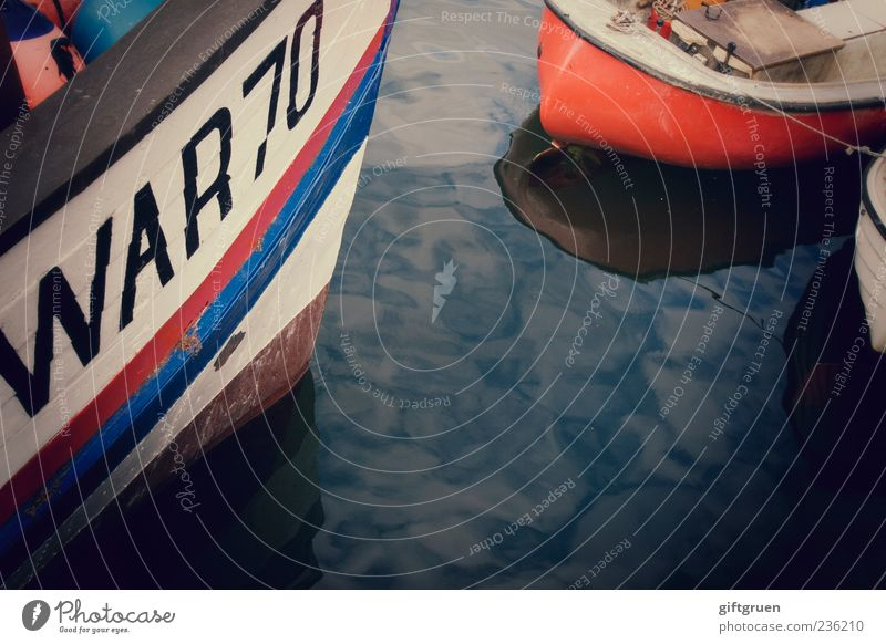 klönen und snacken über dit un dat un jenes Schifffahrt Fischerboot Wasserfahrzeug Hafen alt ankern Fischereiwirtschaft Reflexion & Spiegelung 70