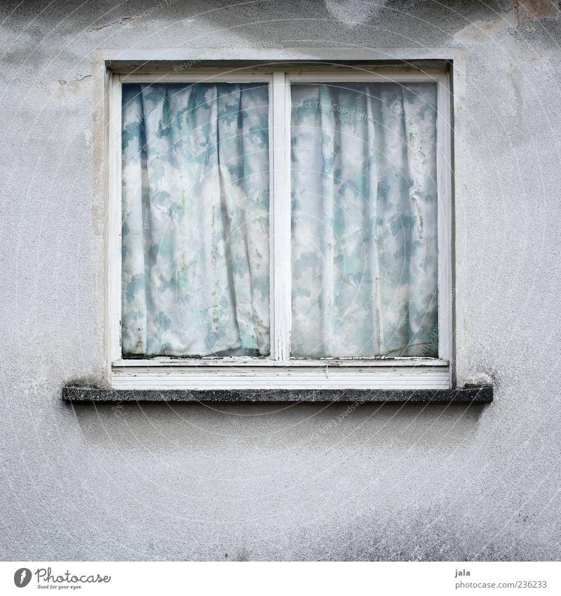 fenster Haus Fenster Wand Mauer trist verfallen Vorhang Gardine zurückziehen