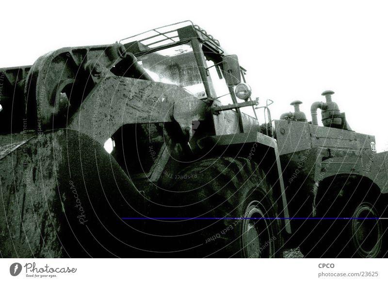 Bagger 1 Baufahrzeug Baustelle Weitwinkel Fahrzeug Elektrisches Gerät Technik & Technologie Schwarzweißfoto Baggerrad