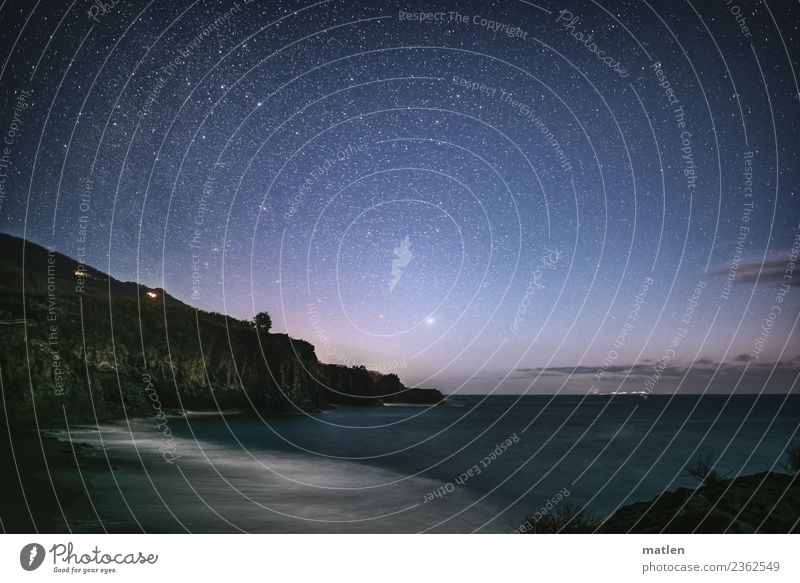 Nachthimmel am Meer Himmel blau Landschaft weiß Strand Berge u. Gebirge dunkel Frühling Küste grau braun rosa Felsen Horizont Wellen