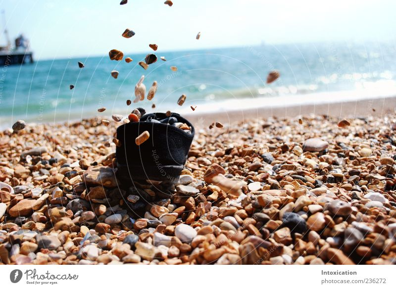 Die freien Steine Ferien & Urlaub & Reisen Strand Steinstrand Farbfoto Außenaufnahme Menschenleer Textfreiraum rechts Tag Kontrast Sonnenlicht