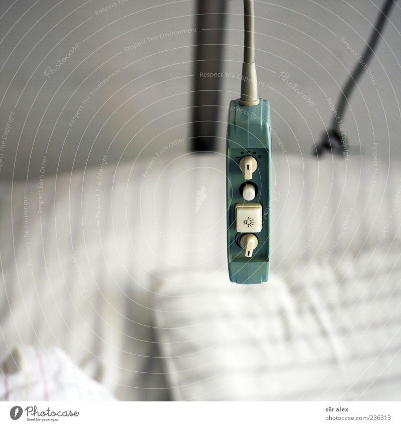 Guten Morgen Einsamkeit Tod Gesundheitswesen Hilfsbereitschaft Trauer Bettwäsche Krankheit Stillleben Hilferuf Krankenhaus Hilfsbedürftig Schalter Krankenpflege