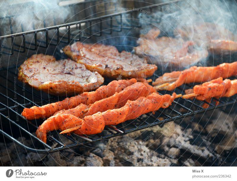 Grillfackeln Lebensmittel Fleisch heiß Appetit & Hunger Grillen Grillrost Grillkohle Grillsaison Grillfleisch Fleischspieß Steak Farbfoto mehrfarbig