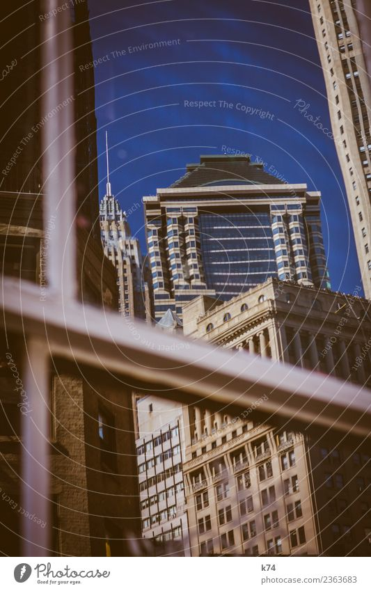 NYC - Architecture IV Skyline Froschperspektive Tag Außenaufnahme Gedeckte Farben Farbfoto Stadt New York City USA Amerika Hauptstadt Stadtzentrum Menschenleer